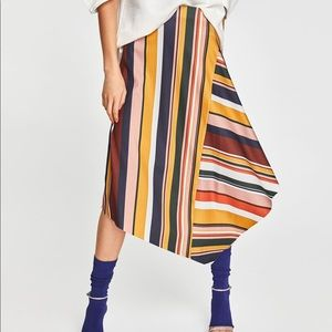 Zara skirt with multicolored stripes.
